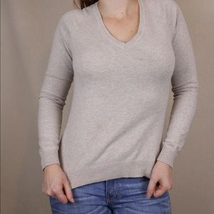 Beige ZARA sweater 🧣